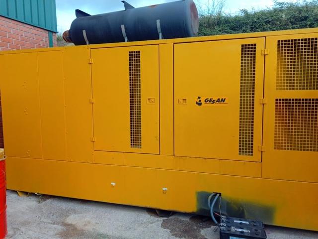 GRUPO ELECTROGENO GENERADOR 800 KVA - foto 3