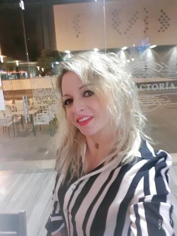ENCARGADA DE BARRA - foto 2