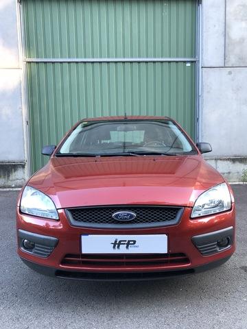 98-04 dos discos de freno delanteros y cuatro pastillas de freno Ford Focus Mk1 Modelos de gasolina