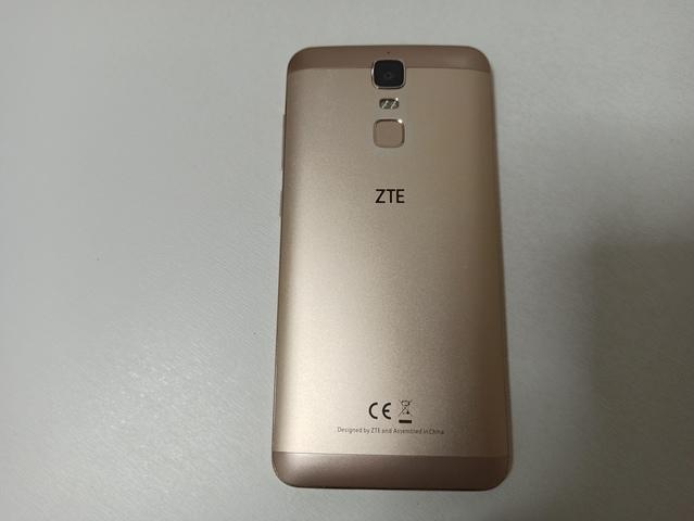 SMARTPHONE ZTE BLADE A610 PLUS + FUNDA - foto 3