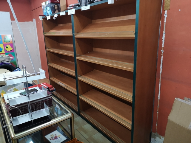 tama/ño grande Alba color negro Expositor de revistas con 5 estantes
