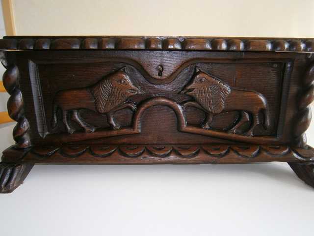 Arca Baul Tallada Del Siglo 19