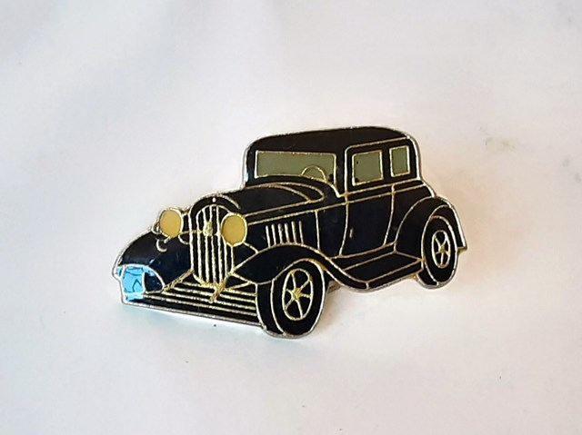 Pin Coche Antiguo Negro