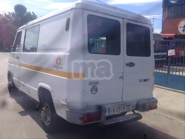 IVECO - DAILY 40. 10 B - foto 3