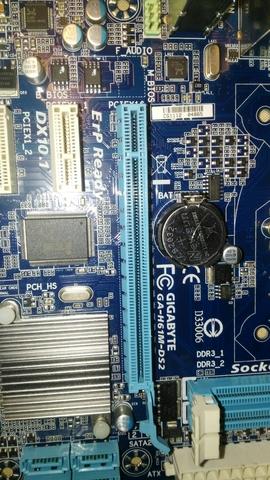 GA-H61M-DS2 GIGABYTE 1155 - foto 2