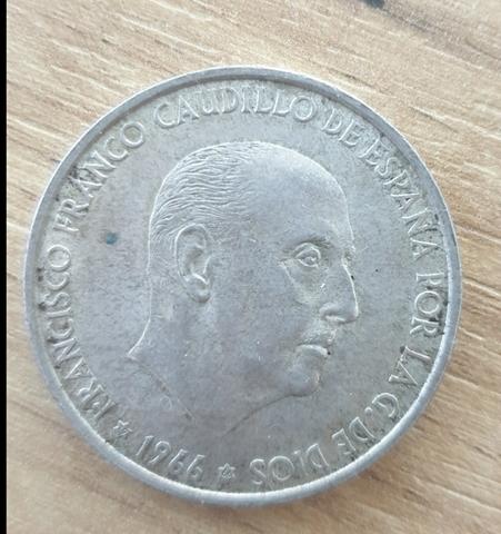 Moneda  De 100 Pesetas Año 1966  *66