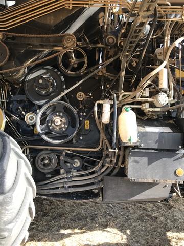 SE VENDE NEW HOLLAND CX 6090 LATERALE - foto 1