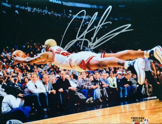 DENNIS RODMAN FIRMADADO A MANO NBA - foto 1