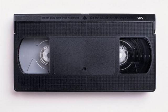 ACEPTAMOS DONACIONES DE PELICULAS VHS - foto 2
