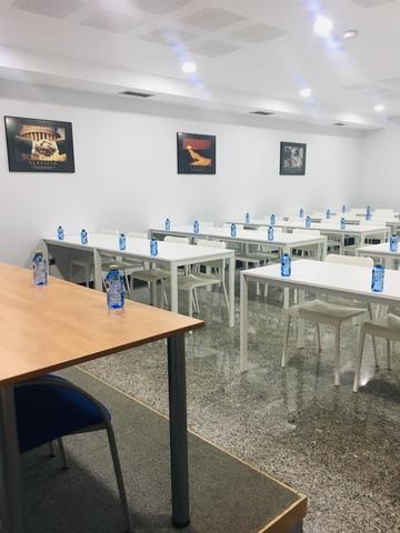 ALQUILER OFICINAS Y SALAS DE FORMACIÓN - foto 3