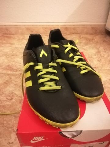 Tengo una clase de ingles moneda sangre  botas futbol 7 Shop Clothing & Shoes Online