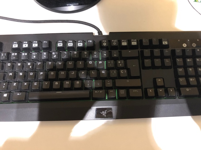 TECLADO GAMING RAZER BLACKWIDOW ULTIMATE - foto 1