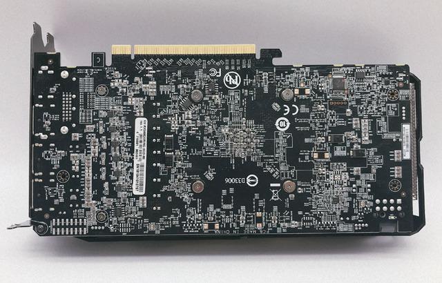 GIGABYTE RX 580 8GB - foto 3