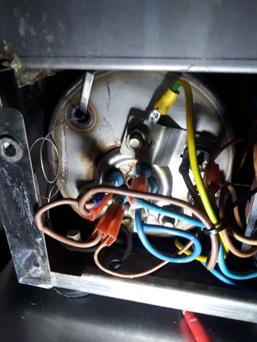 ELECTRICIDAD Y MANTENIMIENTO - foto 3