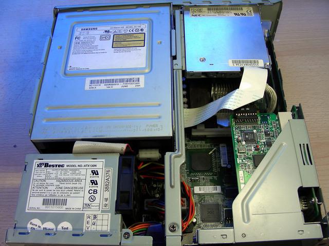 PC NEC PENTIUM III 600/133 MHZ - foto 5