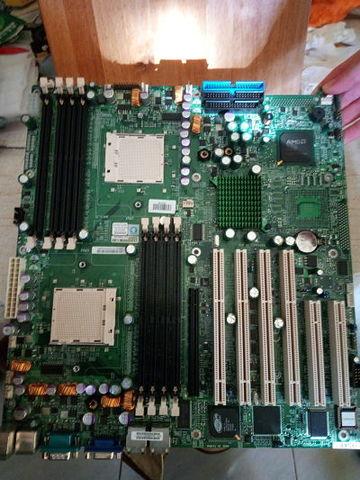 PLACA BASE AMD  H8DAE  A REPARAR - foto 1