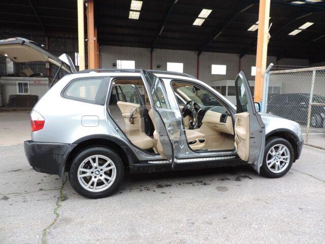 BMW - X3 2. 0D - foto 9