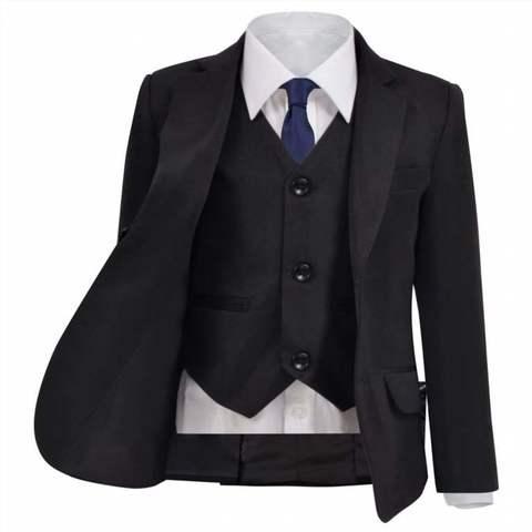 siempre mantenga la próstata en traje formal