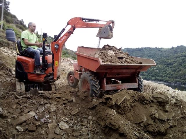 TRABAJOS CON MINIEXCAVADORA Y DUMPER - foto 2
