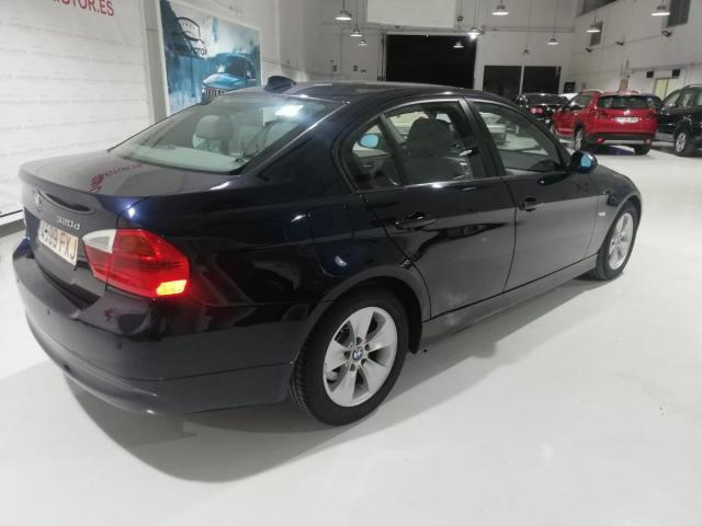 BMW - SERIE 3 320D - foto 4