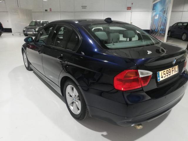 BMW - SERIE 3 320D - foto 5