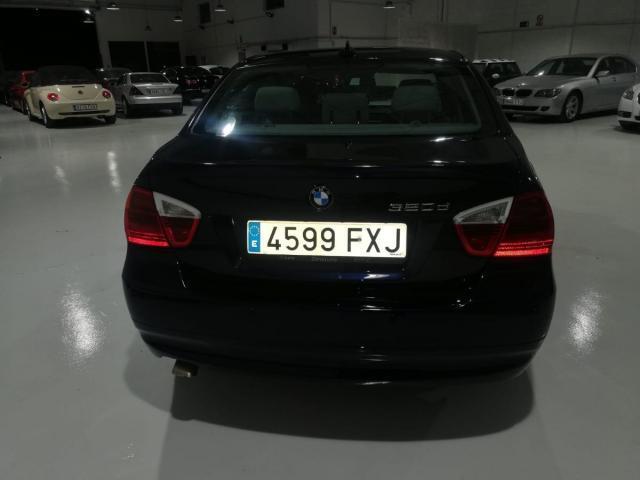 BMW - SERIE 3 320D - foto 7