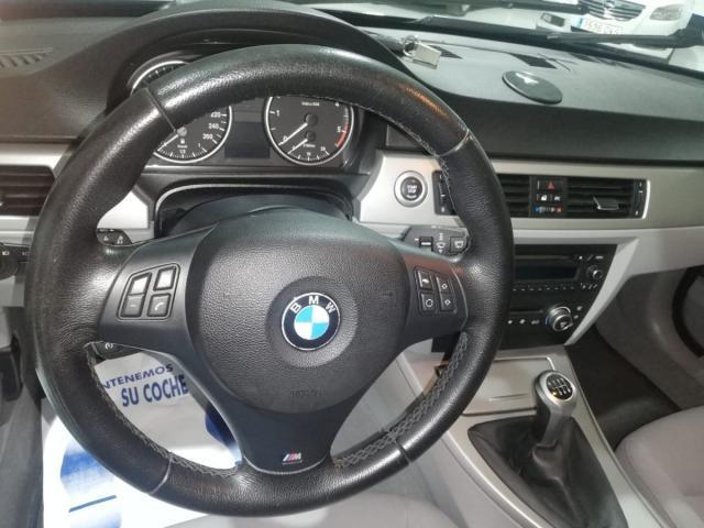 BMW - SERIE 3 320D - foto 8