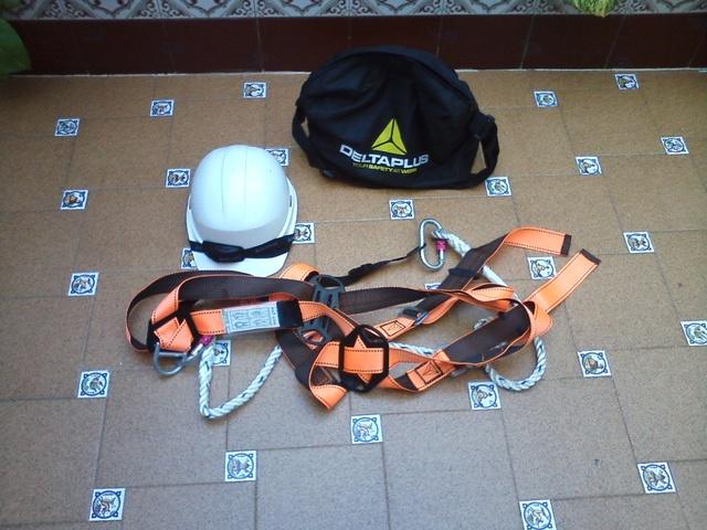 Arnes De Seguridad.  Linea De Vida,  Casco