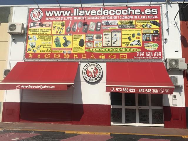 LLAVES Y MANDO SEVILLA DIPLICADO - foto 1