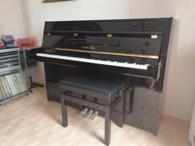 SE VENDE PIANO VERTICAL YAMAHAB1 - foto 6