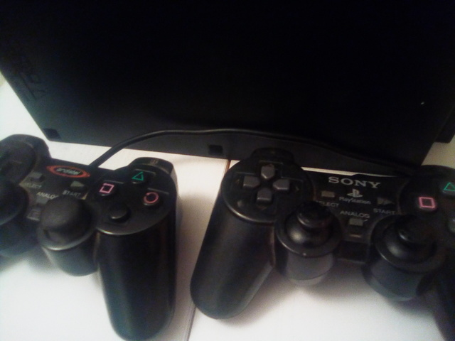 SE VENDE PLAYSTATION 2 - foto 1