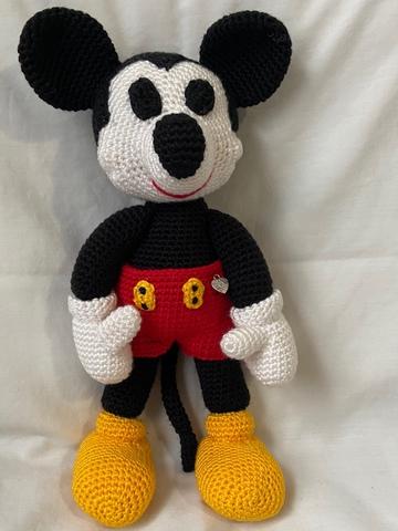 Ravelry: Amigurumi Mickey Mouse pattern by Duende de los Hilos | 480x360