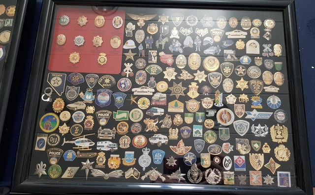 Pins Policiales De Todo El Mundo