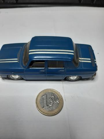 Renault 8 Escala 1/43