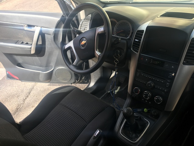 CHEVROLET - CAPTIVA 2. 0 7 PLAZAS - foto 9