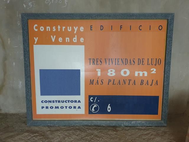 Cartel Valla Publicitaria.  Anuncio
