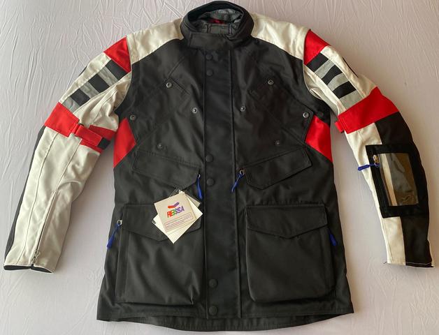 L forro polar desmontable chaqueta moto,cordura protecciones en codos hombros y espalda 6 bolsillos delanteros y uno interior