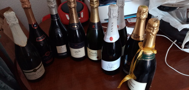Botellas De Cava Urge Vent