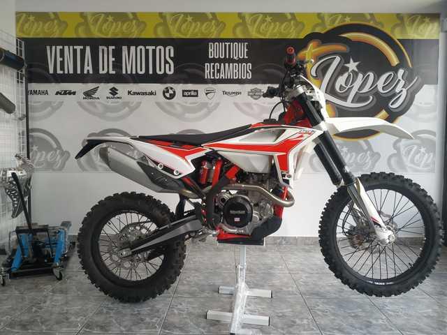Mil Anuncios Com Moto Enduro Venta De Motos De Segunda Mano Moto Enduro En Tenerife Todo Tipo De Motocicletas Al Mejor Precio