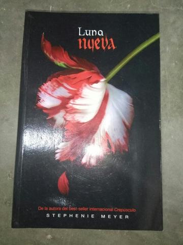 LIBROS DE LA SAGA CREPÚSCULO - foto 3