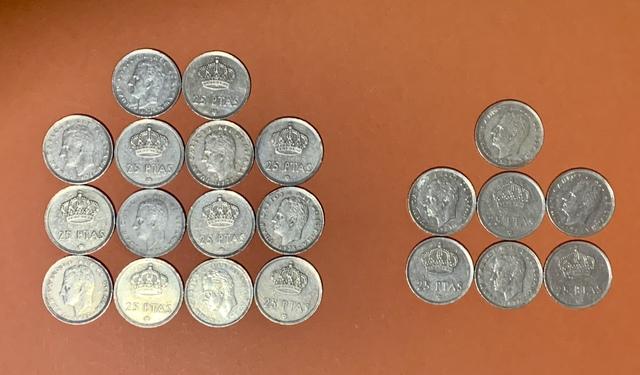 21 Monedas De 25 Pesetas 1975.