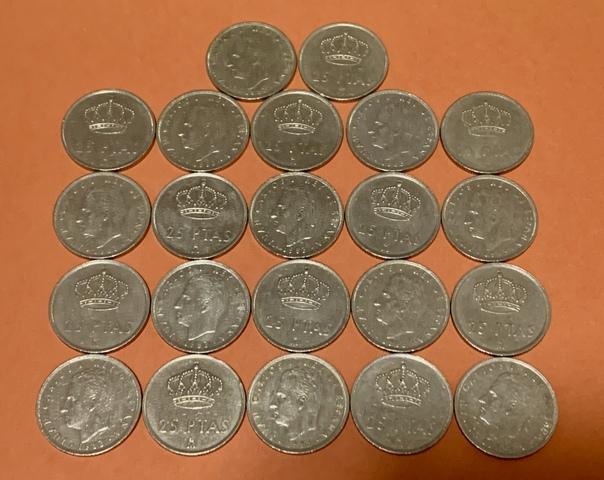 22 Monedas De 25 Pesetas 1983.