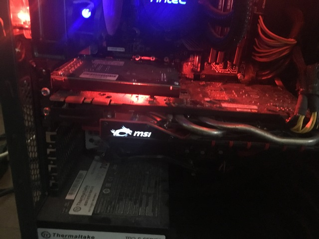 MSI GTX 970 GAMING  4 GB - foto 1