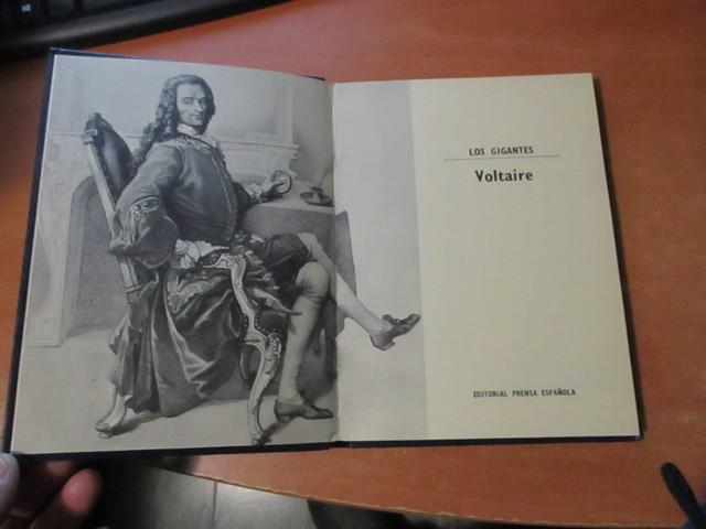 VOLTAIRE EDITORIAL PRENSA ESPAÑOLA 1971 - foto 2