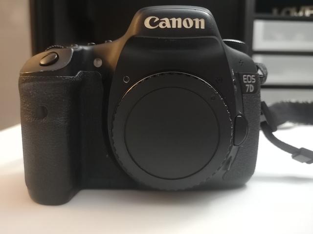 CAMARA CANON 7D + 50MM + ADAPTADOR CF SD - foto 3