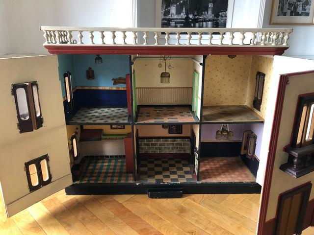 Casa De Muñecas miniatura Artesanal Libro = El Cartero