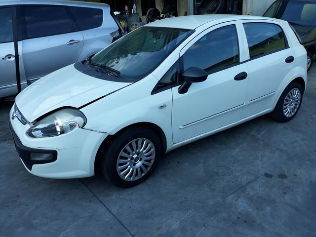 FIAT PUNTO 1. 3 D 2011 - foto 1