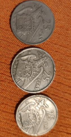 3 Monedas De 25 Pts, De 1957. Franco