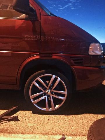 Genuine OEM Volkswagen T5 T6 Negro reposacabezas de cuero
