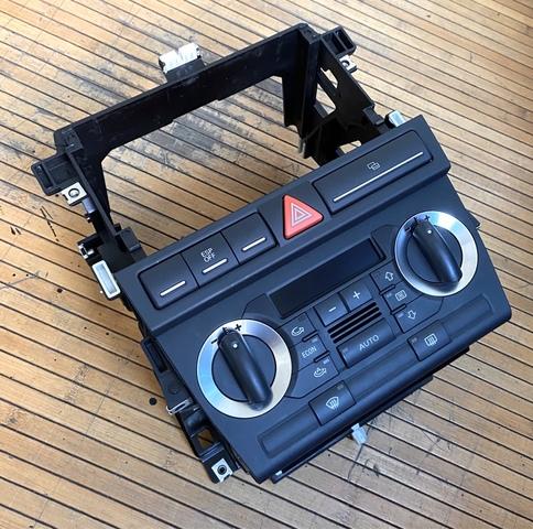 Marco para radio Audi A3 Pro versi/ón con compartimento 2-DIN negro